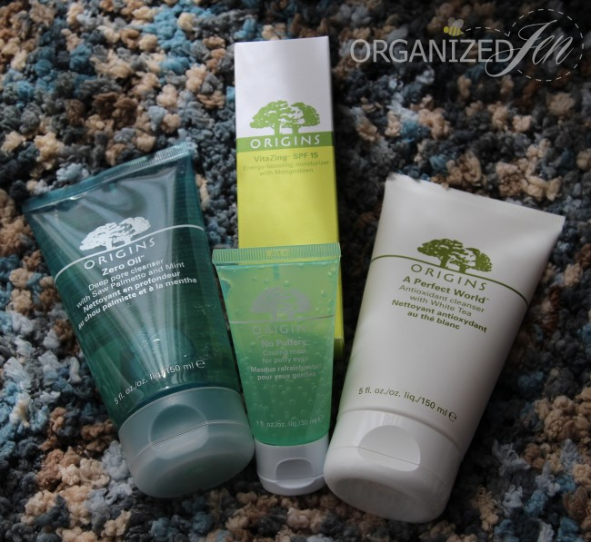 The giveaway prize includes Origins Zero Oil Deep Pore Cleanser, A Perfect World Antioxidant Cleanser, VitaZing, & No Puffery